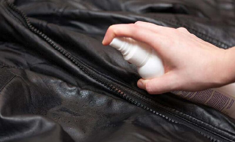 Чистка искусственной кожи